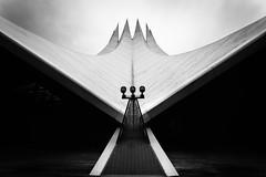 Tempo, Tempo(drom) (schonko1) Tags: sky bw white black berlin blackwhite architektur sw tempodrom weitwinkel jochenschenkewitz