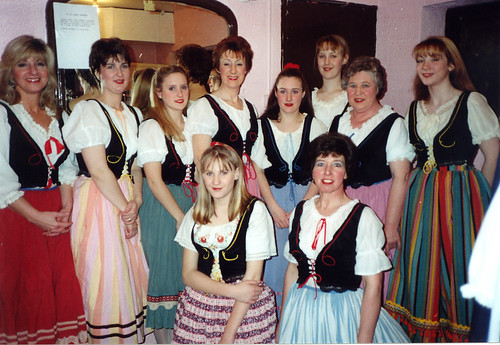 1995 Humpty Dumpty 06 (from left American lady,Sally Capp,Lindsay Drabble,Linda Ellis,Shelley Redgate,x,Rita Hampton,x,front x,Pauline Milner)