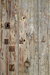 Doors of Perception (dvanzuijlekom) Tags: door espaa june spain rust lock catalonia girona catalunya slot keyhole catalua gerona spanje deur roest 2014 doorsofperception altempord llan sleutelgat beslag cataloni canonef50mmf18mkii canoneos5dmarkiii dedeurenderwaarneming