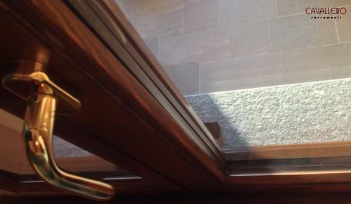 Foto rigolino fermavetro finestra Linea Area