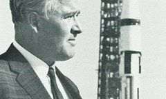 "1967_Dr._Wernher_von_Braun_at_Saturn_1B_for_Apollo_5 <a style=""margin-left:10px; font-size:0.8em;"" href=""http://www.flickr.com/photos/130192077@N04/16686653722/"" target=""_blank"">@flickr</a>"
