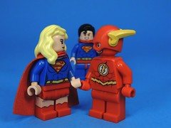 Holding Hands (MrKjito) Tags: show girl comics dc tv holding hands comic lego flash super superman chemistry angry cw minifig cbs crossover univers flarrow