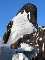 Penguin Mountain (meeko_) Tags: penguin mountain antarctica empire antarcticaempireofthepenguin attraction seaofice seaworld orlando seaworldorlando themepark florida