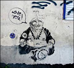 Love you! (sulamith.sallmann) Tags: art berlin buddha buddhismus deutschland europa friedrichshainkreuzberg germany kreuzberg kunst kunstimffentlichenraum kunstwerk religion streetart deu sulamithsallmann