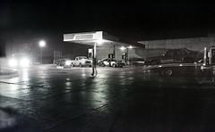 Seres. (Gabriel Plcs) Tags: canonav1 blancoynegro true night analog photography grain streetphotography ilfordxp2 bnw expiredfilm blancetnoir fd28mm28 schwarzweis filmisnotdead fotografiacallejera ruephotographie strasefotografie