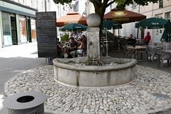 Die - (larsen & co) Tags: france auvergnerhnealpes drme valledeladrme paysdiois die ladrme clairettededie fontaine