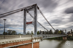 Pont suspendu de Villemur (Fabien Georget (fg photographe)) Tags: longexposure bridge sky nature water beautiful sunrise canon pose french landscape geotagged photography eos photo long exposure flickr shot earth touch great pont paysage paysages wonders greatphotographer georget beautifulearth suspendu poselongue wondersofnature supershot perfectphotograph theworldthroughmyeyes bigfave perfectpictures supershotaward elitephotography phographers flickrunited villemur elitephotographie ayezloeil flickunited canoneos600d elmundopormontera fabiengeorget cloudsstromssunsetandsunrise fgphotographe mordudephoto flickrdepot