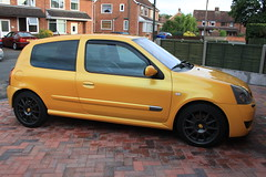 LY 182 27-07-16 001 (AcidicDavey) Tags: liquid yellow renault clio 182 renaultsport ly