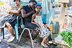 Por el Nuevo Mercado de la Avenida Duarte, Santo Domingo, Repblica Dominicana (dleiva) Tags: santo domingo mercado mujer nia woman children person portrait domingoleiva dleiva america republica dominicana