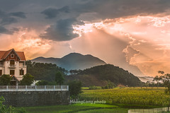 Y8914+16.0616.Kim Bi.Ha Bnh (hoanglongphoto) Tags: asia asian vietnam northvietnam northwestvietnam landscape afternoon sunset sky cloud clouds ray rays sunray hill plant treehill hillside house hdr canon canoneos1dx tybc habnh kimbi phongcnh vietnamlandscape buichiu honghn butri my i sni ngni thcvt icy nginh canonef70200mmf28lisiiusmlens