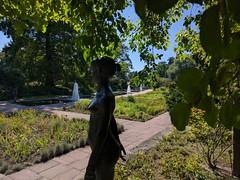 Freundschaftsinsel (deadmanjones) Tags: freundschaftsinsel friendshipisland potsdam statue fountains