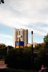 Wo Captain Future wohnt (h.d.lange) Tags: berlin peripherie hochhaus gropiusstadt dietödlichedoris lieblingsliedverunglückt minoltarivazoom135ex