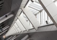 Flugbahn V - Airport Kbenhavn - Copenhagen - Kopenhagen (Gerhard R.) Tags: architecture copenhagen airport arquitectura architektur flughafen kopenhagen modernarchitecture kbenhavn modernearchitektur