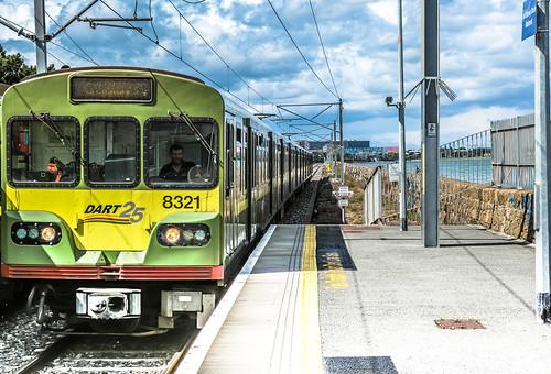 DART TRAIN AT BLACKROCK TRAIN STATION REF-101783