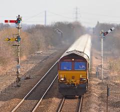 Bio Diesel (Feversham Media) Tags: yorkshire freighttrains sheds dbs eastyorkshire class66 ews gilberdyke dbschenker 66094