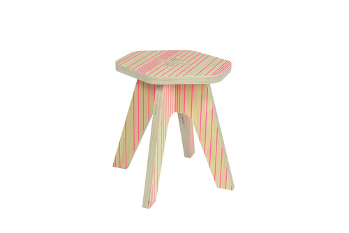 The milk Stool Pink fluo lines