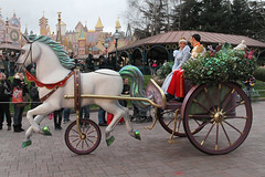 Disneyland Paris - January 2015 - 0188 (Snyers Bert) Tags: park parque paris france la ledefrance euro disneyland magic events disney parade resort fantasy land characters frankrijk parc parijs fantasyland magie disneylandparis dlp cavalcade plaatsen chessy dlrp marnelavallee magiconparade