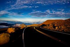 Fahrvergnuegen (pbuschmann) Tags: road travel way hawaii driving zoom peak autobahn maui haleakala crater freeway