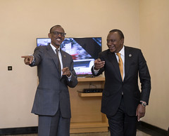 President Kagame meets with President Uhuru Kenyatta of Kenya on the sidelines of African Union Summit   Kigali, 16 July 2016 (Paul Kagame) Tags: kagame rwanda au african union africa kigali summit