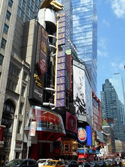 Madame Tussauds (jeffmgrandy) Tags: manhattan midtown timessquare times bustling crowd