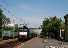 E189.897 ISC (Massimo Minervini) Tags: train trenes siemens rail railway railroads trainz isc cremona gazzo canon400d e189 pievesangiacomo captrain captrainitalia e189isc lineacremonamantova lineamilanocremona cisternemillet trentoroncafortcavatigozzi e189897