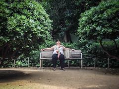 Siesta (efe Marimon) Tags: barcelona parque siesta mediodia appleiphone4s felixmarimon