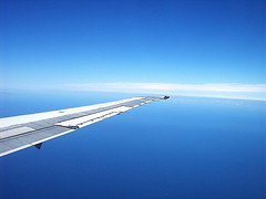 volando por cielos argentinos (shumpei_sano_exp6) Tags: travel viaje blue sky argentina azul fly aeroplane cielo colorphotoaward colourartaward