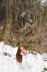 Snow blossom. (SimonaColadangelo) Tags: wood winter light red  woman white snow cold girl make up ginger model eyes artist photographer child natural blossom lips norwegian francesca neve simona rosso bianco romana bosco candido innocenza candore coladangelo coloccia antoniani