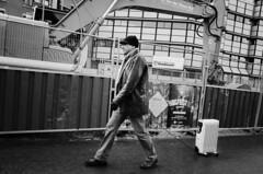 Smakkelaarsveld, Utrecht (Pim Geerts) Tags: street 2 man photography utrecht gr radiator ricoh hekken lijntje verwarming uitlaten smakkelaarsveld straatfotografie cu2030 pg021020