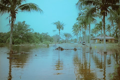 Cherok Paloh (bayualamfoto) Tags: rescue film photography team flood ishootfilm portra masjid kuantan pahang catastrophe filem filmphotography temerloh wakaf filmcommunity believefilm kuantanku banjerosquad