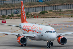 Airbus A319 easyJet G-EZSM MSN 2062 (Guillaume Besnard Aviation Photography) Tags: barcelona plane airplane aircraft bcn airbus canoneos easyjet a319 planespotting barcelonaaeropuerto airbusa319 barcelonaairport lebl cn2062 gezsm barcelonaelprat barcelonaaeroport msn2062