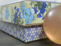Opposites ... square and round ... Macro Mondays (Hannatu) Tags: opposites square round macro box ball