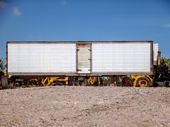 Maquinaria (SeorNT) Tags: box trailer tractor machines construction oxide proportion fujifilm