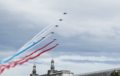 Bastille Day jets fly over the Louvre (Monceau) Tags: quatorzejuillet bastilleday paris red blue white military jet airplanes flyover louvre flickrbingo4o69 196366