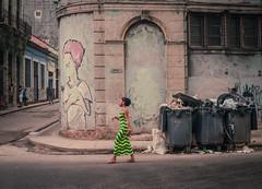 Streets of Havana - Cuba (IV2K) Tags: havana habana lahabana cuba cuban kuba caribbean neptuno centro centrohavana centrohabana sony rx1 castro garbage fidelcastro