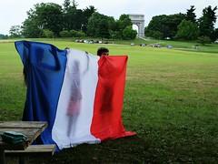 Une veille en homage aux victimes de l'attentat de Nice et  leurs familles (Something Sighted) Tags: pennsylvania flag valleyforge larcdetriomphe letricolore vigilfornice