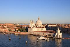 Venedig (TommyWHV) Tags: venedig santa maria della salute eos canon italien italy europe europa barocke kirche canal grande einfahrt votivkirche