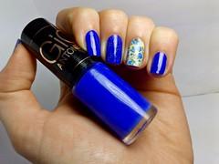 Frio na Barriga - Hits by Gio. (Rassa S. (:) Tags: azul blue unhas nails nailpolish naillacquer nailart pelcula hits gioantonelli glitter risqu esmaltebonito