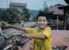 (8tariqkhan8) Tags: vietnam southeastasia portrait kids happiness smile travelphotography documentary caobang bacson vietnamphotography picsofasia asia