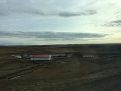 "Bus de El Calafate (Argentine) à Puerto Natales: una estancia <a style=""margin-left:10px; font-size:0.8em;"" href=""http://www.flickr.com/photos/127723101@N04/30285158275/"" target=""_blank"">@flickr</a>"