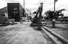 2016-10-26-0017 (alexdotbarber) Tags: 130 2meter 35mm houstonfourthward kodaktmax100 voigtlanderbessal voigtlandersuperwideheliar15mmf45 blackandwhite construction f45 underexposed