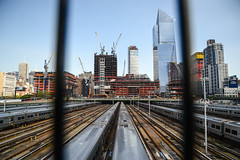 MircK - High Line (imNOTaPh) Tags: highline newyork manhattan trainstation train skyline nikon d3100 mirck ontheroad roadtrip rail yard crains usa railroad sky skycraper skycrapercity