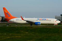 C-GOWG (Sunwing Airlines) (Steelhead 2010) Tags: boeing yyz b737 sunwing b737800 creg cgowg