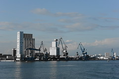 14.11.09-LORIENT Port - Effet 1 (romcedseb) Tags: couleur effet slective