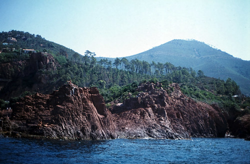 "113F Massif de l'Esterel • <a style=""font-size:0.8em;"" href=""http://www.flickr.com/photos/69570948@N04/15944037885/"" target=""_blank"">View on Flickr</a>"