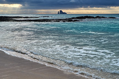 "Littoral Opal (ggppix) Tags: galápagos stephensbay bahiastephens sancristobalisland islasancristóbal chathamisland kickerrock rocaleóndormido charlesdarwin ""voyageofthebeagle"" archipelago islands ecuador equator equatorial pacific ocean bay beach sand surf sun clouds sheen reflection opalescence littoral hues tones fujifilmxpro1 fujinonxf18135f3556rlmoiswr garyglenprice captureonepro ópalo 蛋白石 opaal אוֹפַּל أوبال οπάλιο opál オパール โอปอล दूधिया पत्थर опал litoral побережье किनारे नदीकेकिनारेका 해안의"