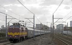 2015-03-01 EECT 1251 met AE tr 13412 plus 60 Utrecht - Zuilen (peter.velthoen) Tags: utrecht zuilen nachttrein alpenexpres eect ns1200 vakantietrein