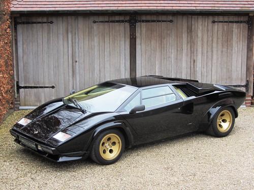 Lamborghini Countach 5000 Quattrovalvole (1986).