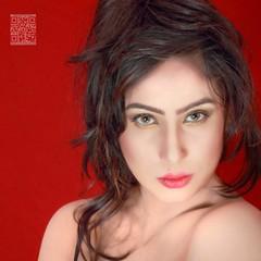 Novera (Burning Heaven) Tags: portrait sexy beauty face lips