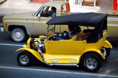 Yellow Street Rod (jmaxtours) Tags: toronto ontario modela hotrod yongestreet yonge 1980 torontoontario yellowhotrod